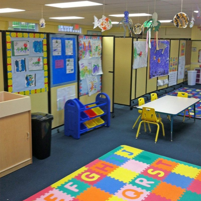 Wall-Mounted Classroom Dividers for Schools