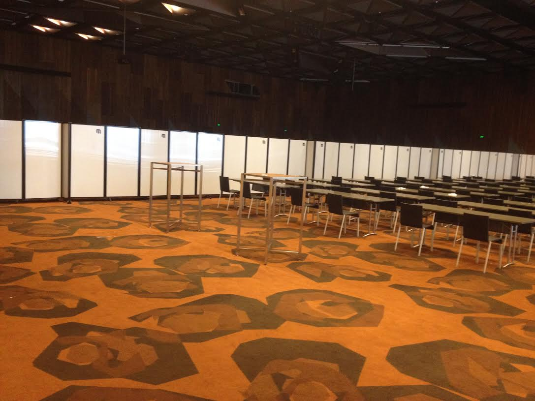 Long connected movable Walls for big conference room - Portable Partitions