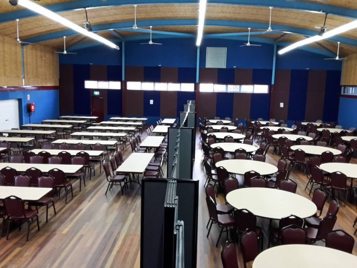 Flexible room divider for big conference hall - portable partition