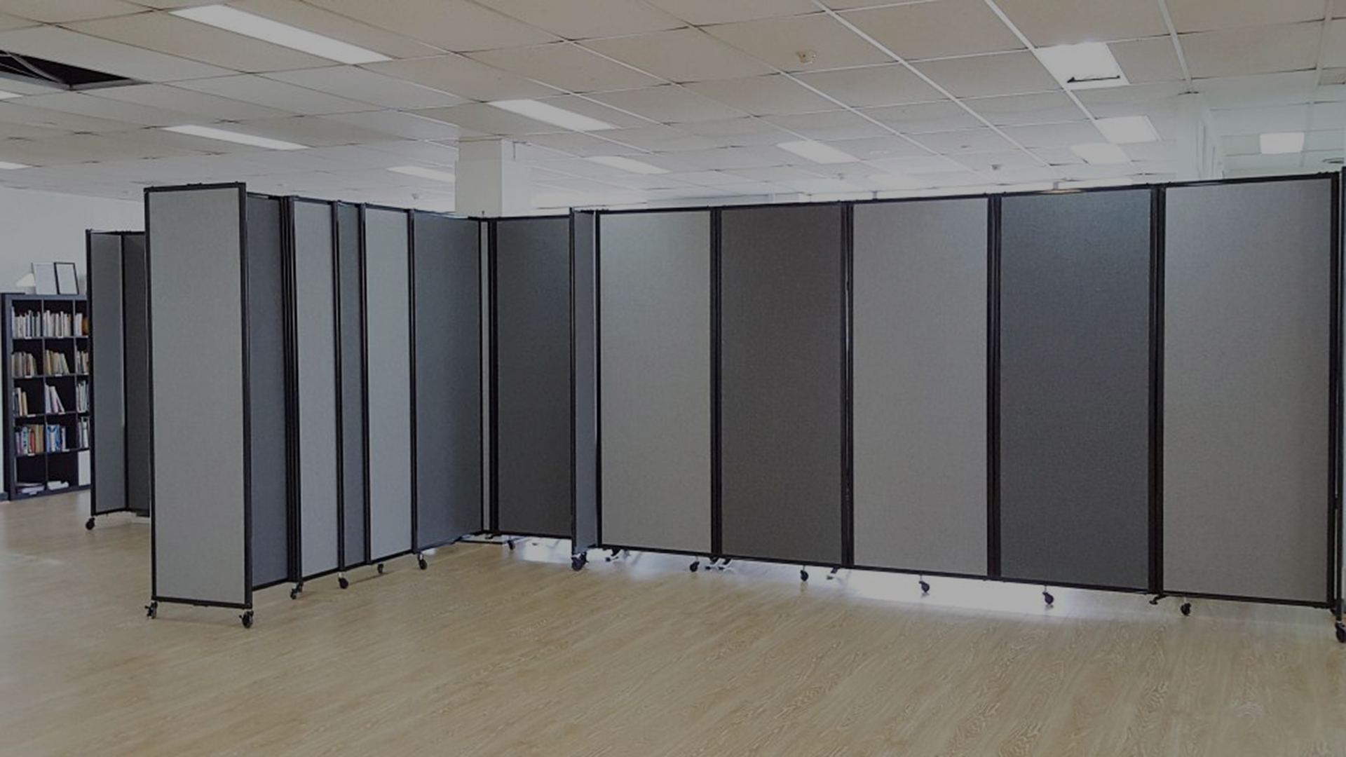 Room Dividers 360 and Straight-Wall, charcoal and cloud grey, in office space