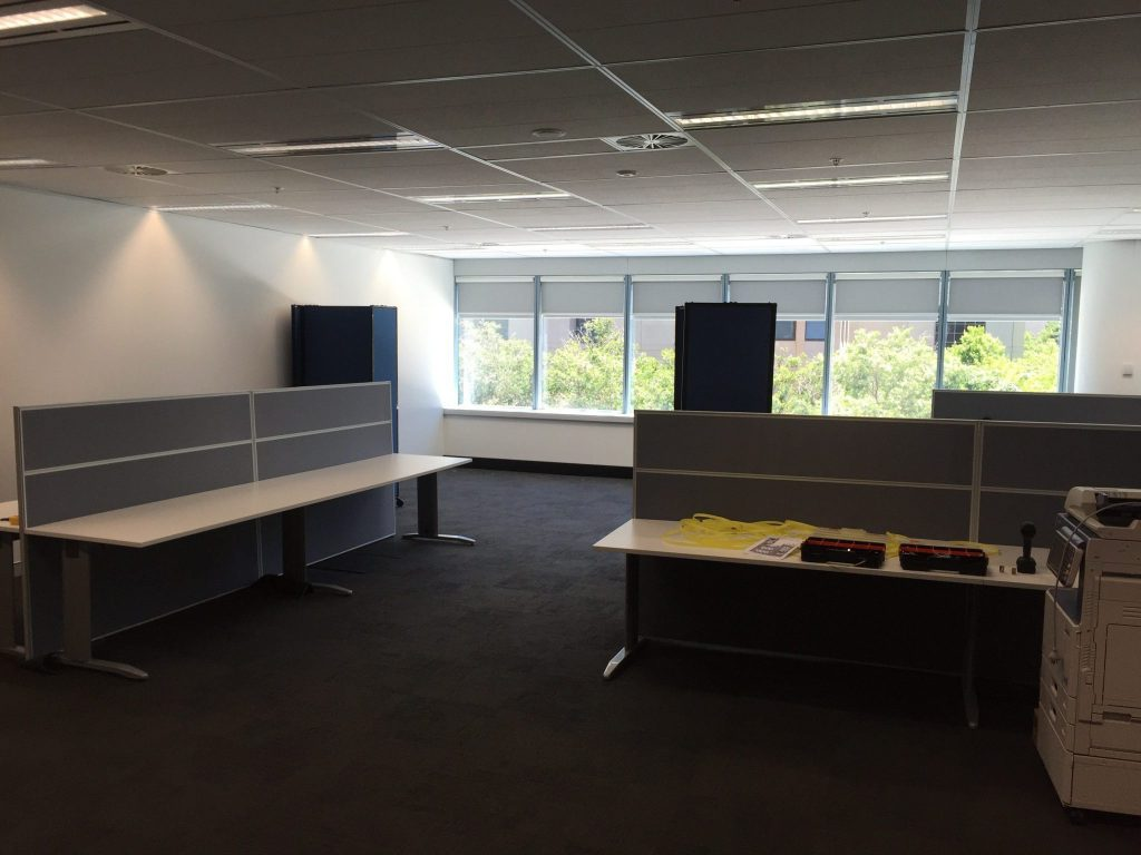 privacy screen for work area - Portable Partitions